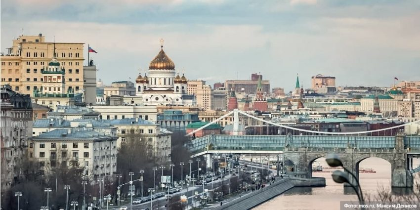 Волонтеры приглашают москвичей принять участие в флешмобе «ГодМыВместе»