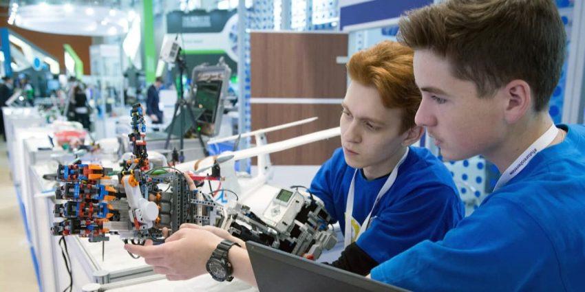 Сергунина: В Москве пройдут соревнования по робототехнике для школьников