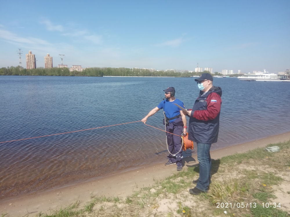 Спасатели САО проверили водоемы округа на безопасность