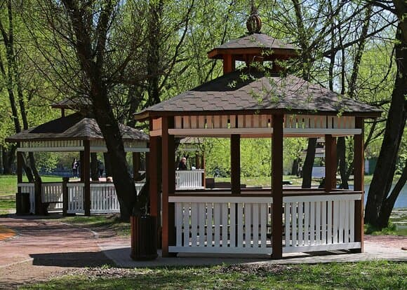 В парках и зонах отдыха столицы оборудовали более 240 мангальных зон