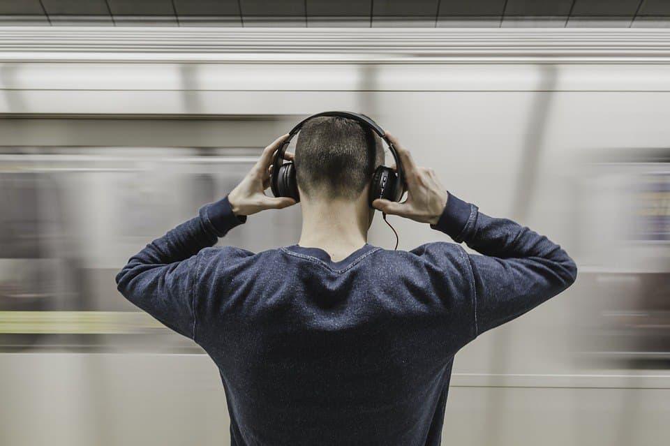 Для россиян разработали аудиогиды по музеям разных стран мира