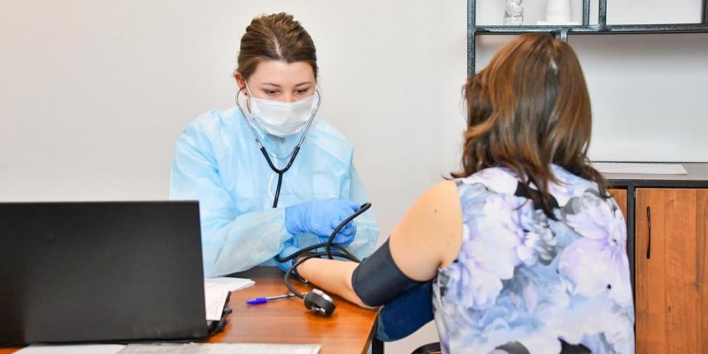 Новые алгоритмы лечения COVID-19 для беременных начали использовать в столице